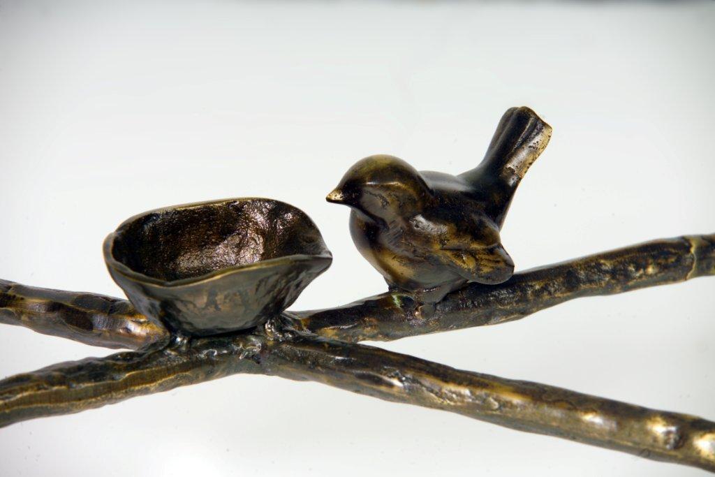 Giacometti Detail Bird Table Stretcher